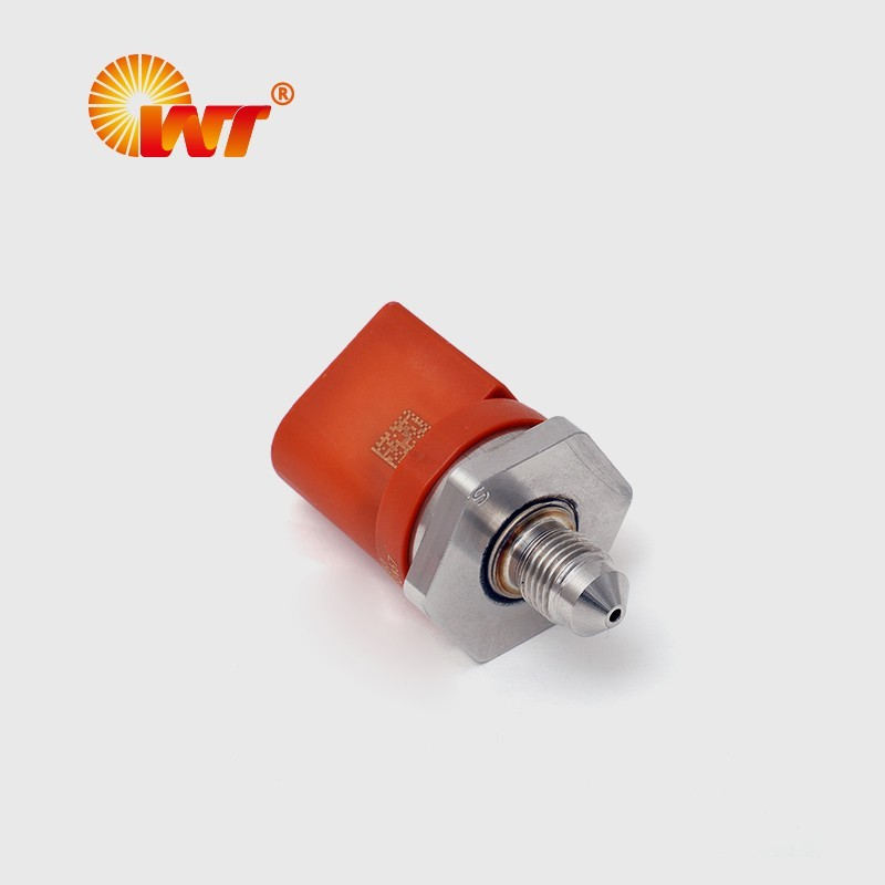 高压共轨传感器0261545050