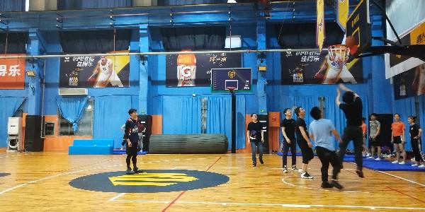 沃天篮球赛——传递信任,投出精彩,彰显企业精神